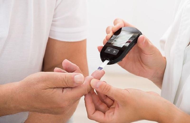 https: img.okezone.com content 2020 02 21 481 2172169 jumlah-pengidap-terus-meningkat-diabetes-kini-bagai-bom-waktu-mKpDeOBwYq.jpeg