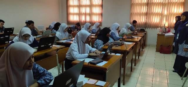 https: img.okezone.com content 2020 02 22 65 2172491 15-019-siswa-ikuti-seleksi-masuk-madrasah-aliah-negeri-5jE22XCzkm.jpg
