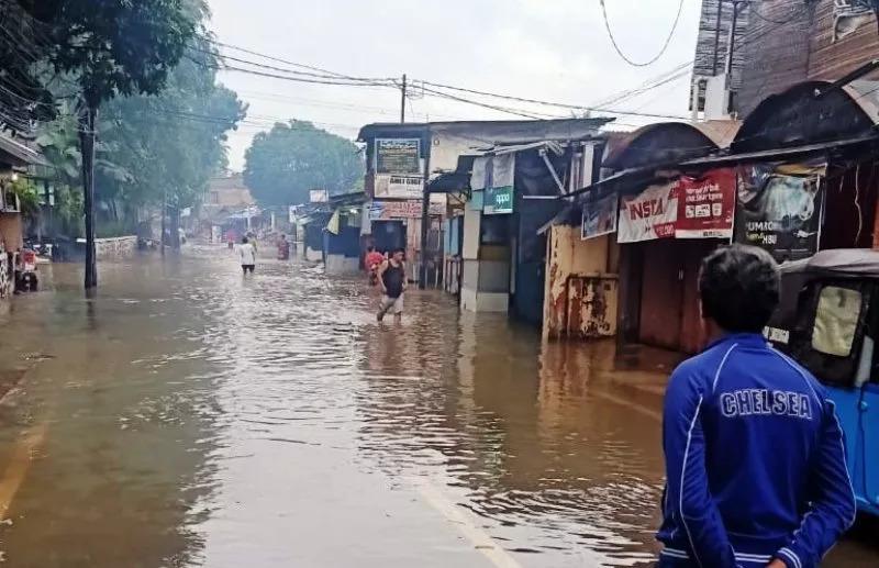 https: img.okezone.com content 2020 02 23 481 2172762 waspada-3-penyakit-kulit-akibat-banjir-JUgUXPXj5I.jpg
