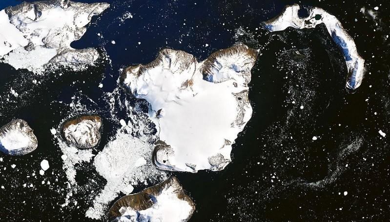 https: img.okezone.com content 2020 02 23 56 2172776 satelit-nasa-tangkap-foto-antartika-yang-meleleh-7orOEuboaB.jpg