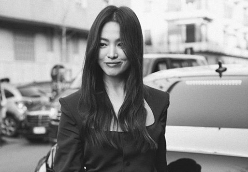 https: img.okezone.com content 2020 02 24 194 2173521 song-hye-kyo-cantik-menawan-di-milan-fashion-week-2020-qP9LALhMXJ.jpg