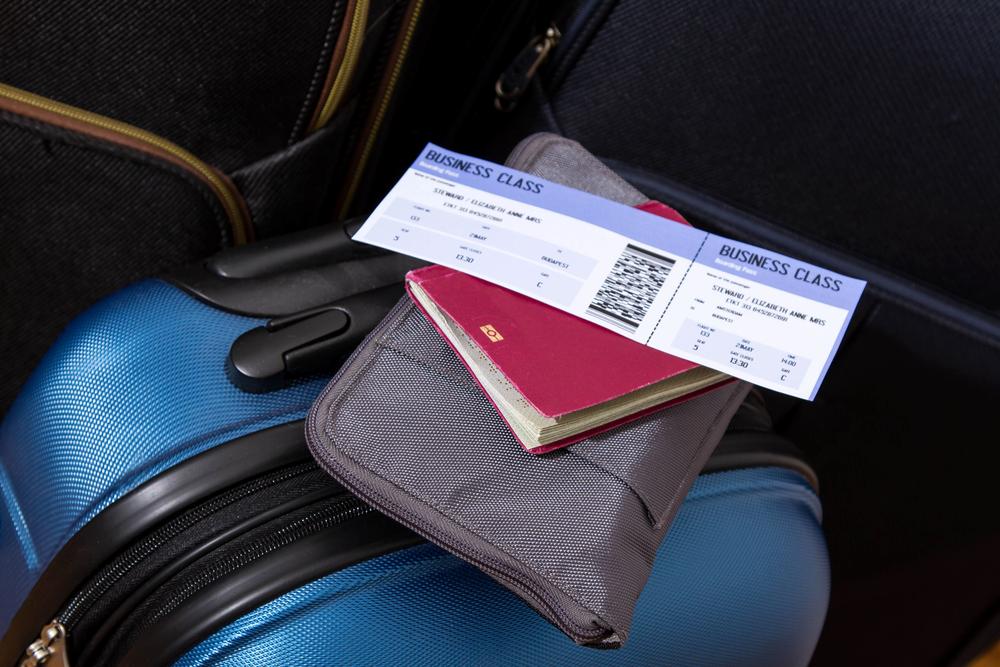 https: img.okezone.com content 2020 02 25 320 2174098 imbas-virus-korona-pemerintah-beri-diskon-tiket-pesawat-besar-besaran-ke-10-destinasi-wisata-XZTWyloPI3.jpg