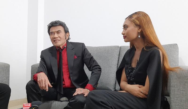 https: img.okezone.com content 2020 02 25 598 2173677 rhoma-irama-apresiasi-konsistensi-indonesian-idol-7XGFjc9tNc.jpg