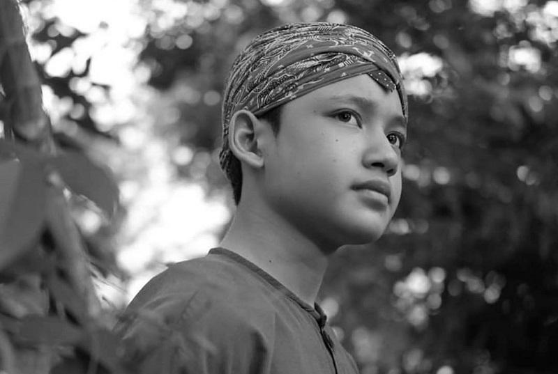 https: img.okezone.com content 2020 02 26 33 2174619 aktor-remaja-alwi-assegaf-beri-tausiyah-di-tahlilan-ashraf-sinclair-uV2G2xgNTo.jpg