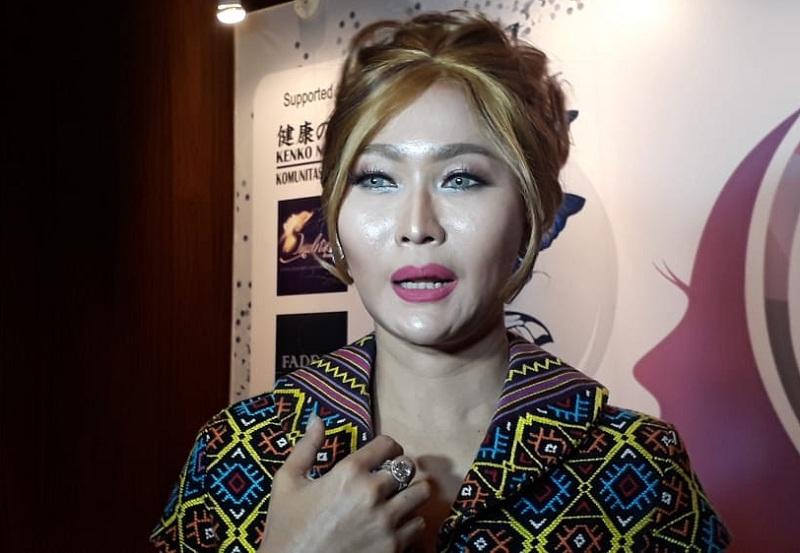 https: img.okezone.com content 2020 02 27 33 2175284 seperti-duffy-3-artis-indonesia-ini-hampir-jadi-korban-rudapaksa-gt1IisYWvK.jpg