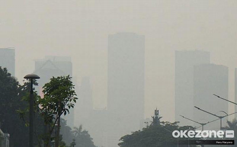 https: img.okezone.com content 2020 02 27 338 2174738 polusi-udara-tangsel-disebut-terburuk-di-indonesia-pemkot-kami-tak-yakin-JLRMtoDEPg.jpg