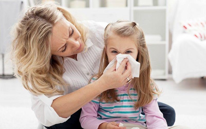 https: img.okezone.com content 2020 02 27 481 2175109 warna-dahak-hijau-kekuningan-saat-batuk-anak-terinfeksi-bakteri-aGUFCJiiDO.jpg