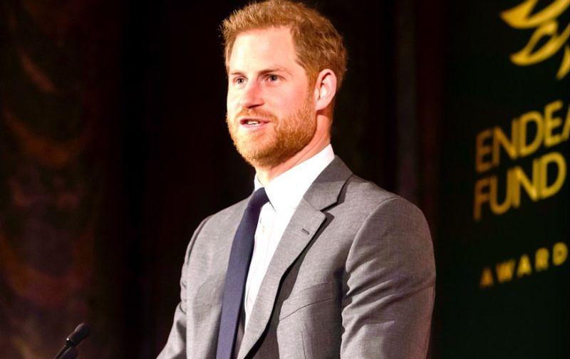 https: img.okezone.com content 2020 02 27 612 2175092 lepas-identitas-kerajaan-pangeran-harry-ingin-dipanggil-nama-saja-kW57Xsdy3O.jpg
