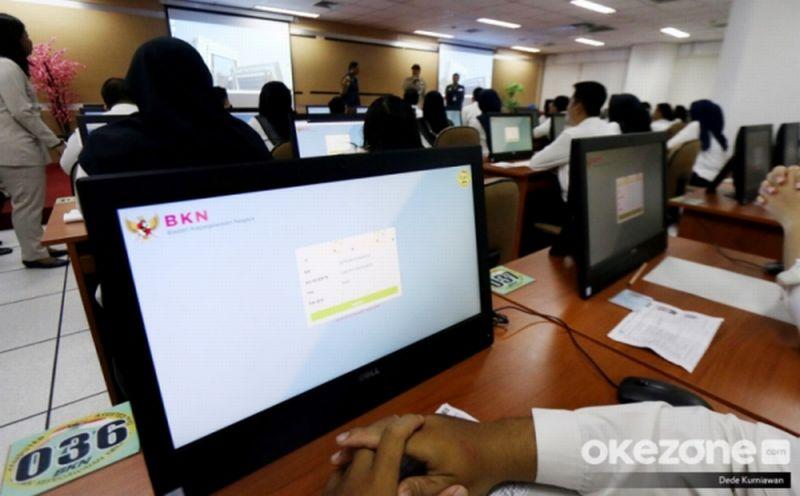 https: img.okezone.com content 2020 02 28 320 2175720 perjuangan-peserta-skd-yang-rela-ke-kupang-untuk-melaksanakan-ujian-cpns-sAM09cLIOY.jpg