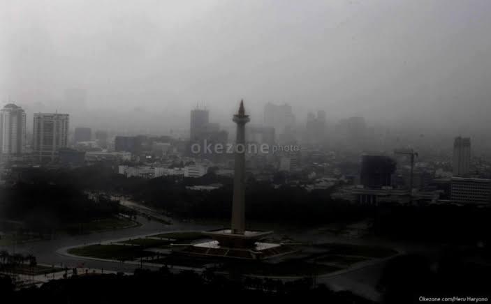 https: img.okezone.com content 2020 02 28 337 2175338 cuaca-ekstrem-berpotensi-melanda-sejumlah-daerah-hingga-akhir-maret-vm39bk54uA.jpg