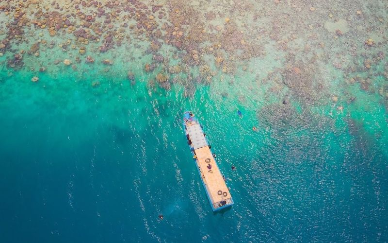 https: img.okezone.com content 2020 02 28 406 2175508 observasi-covid-19-di-pulau-sebaru-kecil-wisata-kepulauan-seribu-aman-dikunjungi-pekiNyVmh4.jpg