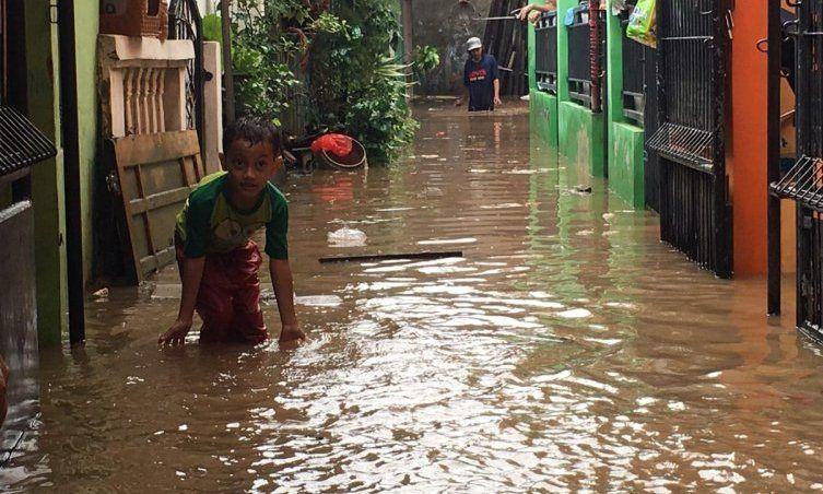 https: img.okezone.com content 2020 02 28 525 2175426 perlu-kerangka-kerja-berjangka-untuk-atasi-banjir-jabodetabek-xkwicYi7z2.jpg