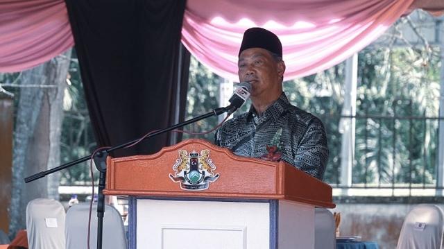 https: img.okezone.com content 2020 02 29 18 2176200 pm-malaysia-yang-baru-muhyiddin-yassin-keturunan-bugis-jawa-BcYx7d2PTU.jpg