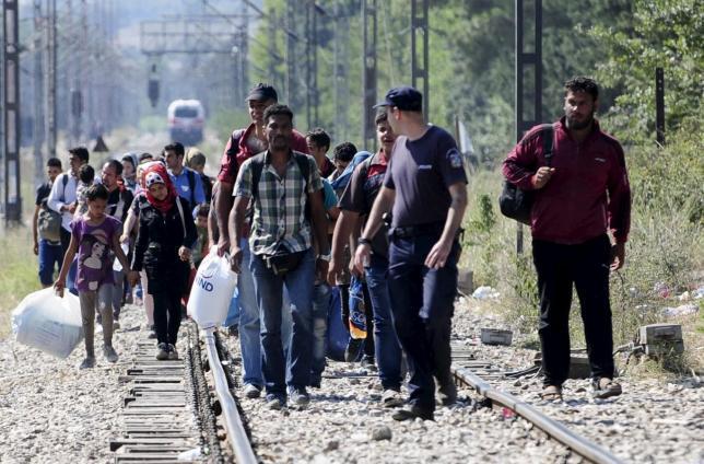 https: img.okezone.com content 2020 03 02 18 2176918 ribuan-migran-berusaha-melintas-setelah-turki-buka-perbatasan-dengan-yunani-S29vfAfJ9h.jpg
