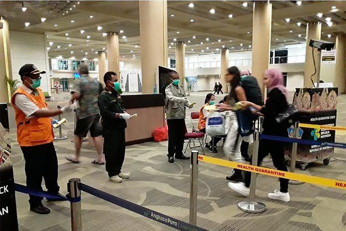 https: img.okezone.com content 2020 03 02 244 2177115 cegah-korona-pemeriksaan-penumpang-di-bandara-ngurah-rai-diperketat-xSVWeAlsPy.jpg