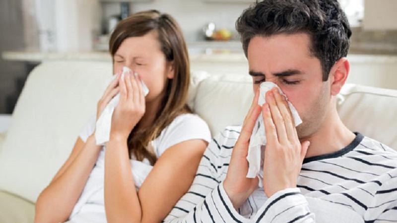 https: img.okezone.com content 2020 03 02 481 2176783 kasus-pertama-korona-indonesia-kenali-beda-gejala-flu-salesma-dan-covid-19-CABwc7f3zt.jpg