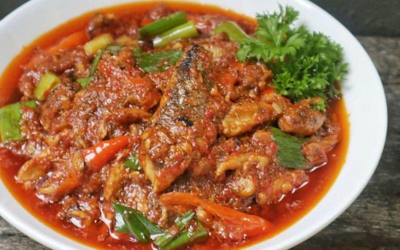 https: img.okezone.com content 2020 03 03 298 2177537 resep-masakan-rumahan-sambal-kering-sarden-bikin-lahap-makan-N5HWLvZG36.jpg