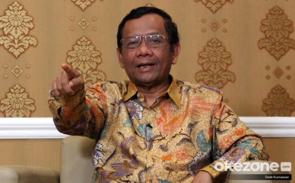 https: img.okezone.com content 2020 03 03 337 2177592 mahfud-md-presiden-minta-penegakan-hukum-tak-dipengaruhi-situasi-politik-ny18JVe1iT.jpg