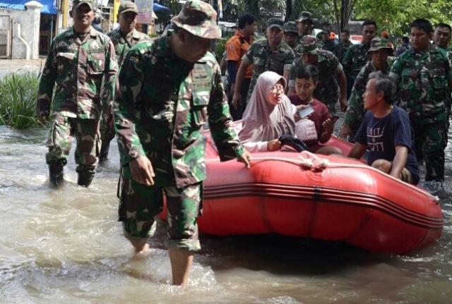 https: img.okezone.com content 2020 03 03 338 2177267 status-tanggap-darurat-banjir-di-kabupaten-bekasi-resmi-berakhir-jEwactaTG8.jpg