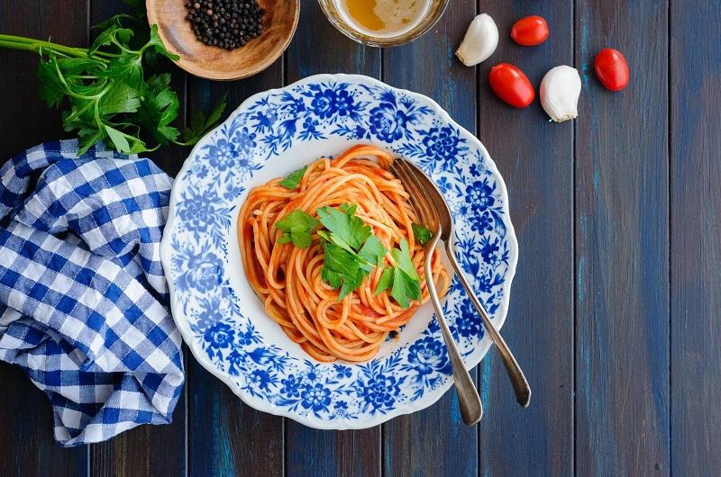 https: img.okezone.com content 2020 03 04 298 2178073 10-tips-masak-spaghetti-di-rumah-agar-selezat-restoran-LYdKLs3Gxc.jpg