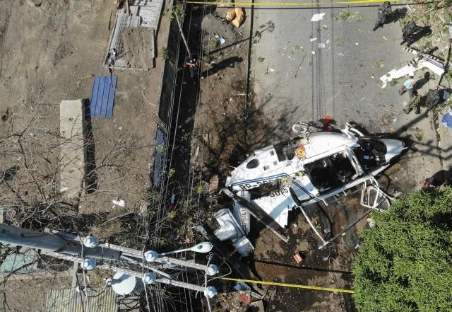 https: img.okezone.com content 2020 03 05 18 2178516 helikopter-yang-membawa-kepala-polisi-filipina-jatuh-FFKmCV5UWI.jpg