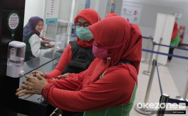 https: img.okezone.com content 2020 03 05 320 2178701 prioritaskan-dalam-negeri-mendag-minta-produsen-tak-ekspor-masker-sIh3ir18ta.jpg