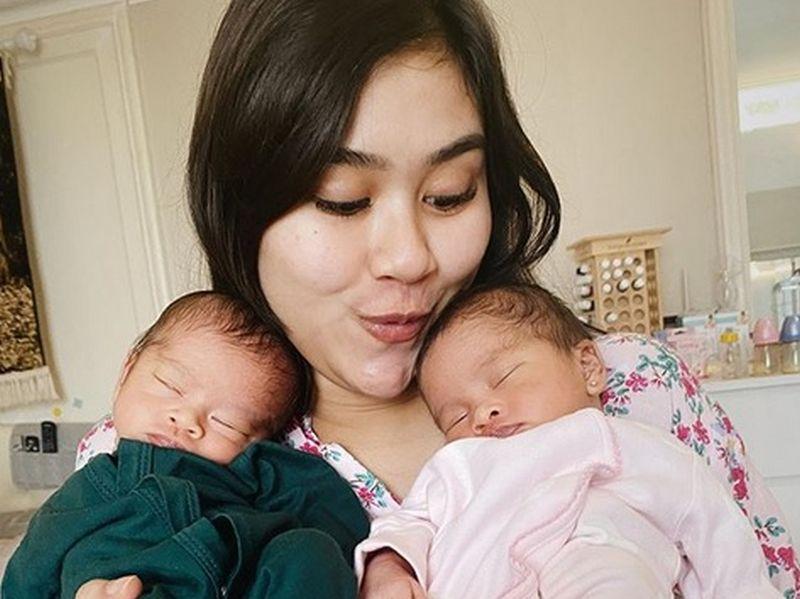 4 Pilihan Posisi Bercinta Terbaik agar Hamil Bayi Kembar