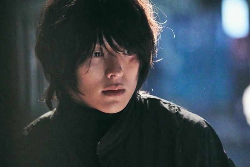 https: img.okezone.com content 2020 03 05 598 2178893 jang-ki-yong-tampil-gondrong-di-poster-drama-born-again-72RbB5RJRK.jpg
