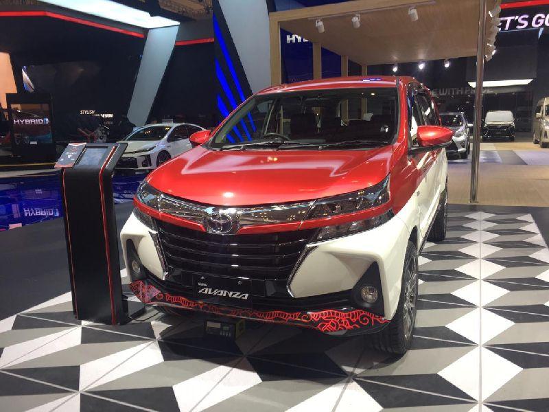 https: img.okezone.com content 2020 03 06 52 2179106 toyota-bakal-produksi-mobil-hybrid-di-indonesia-L2Ka8C9xDV.jpg