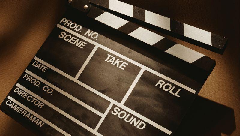 https: img.okezone.com content 2020 03 07 206 2179672 70-ribu-bioskop-ditutup-imbas-korona-box-office-china-merosot-qFXXYAgfjT.jpg