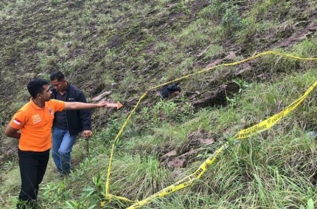 https: img.okezone.com content 2020 03 09 244 2180449 seorang-pendaki-tewas-terjatuh-ke-jurang-di-gunung-batur-bali-nbvAYSTT2c.jpg
