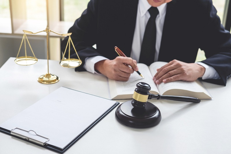 https: img.okezone.com content 2020 03 10 320 2181255 omnibus-law-atur-investasi-masuk-ke-sektor-umkm-ZSclxJpsKq.jpeg