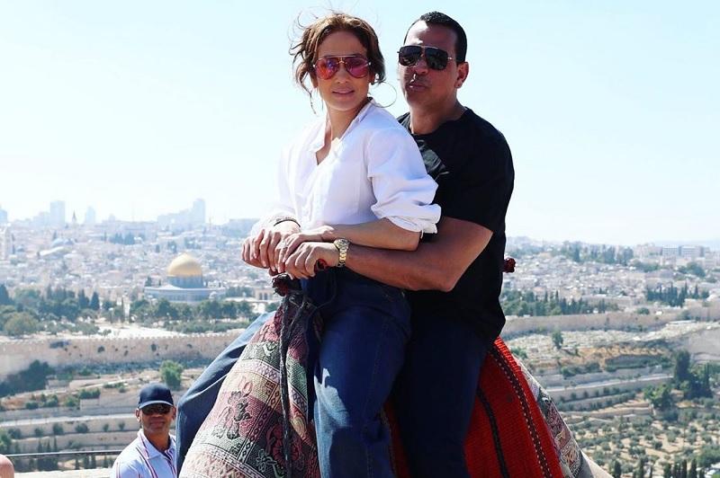 https: img.okezone.com content 2020 03 11 33 2181875 jennifer-lopez-bocorkan-rencana-pernikahan-dengan-alex-rodriguez-Qu5ILmrWUf.jpg