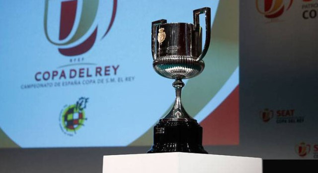 https: img.okezone.com content 2020 03 12 51 2181951 imbas-virus-korona-final-copa-del-rey-hingga-piala-liga-prancis-resmi-ditunda-qIN4nWgmfx.jpg