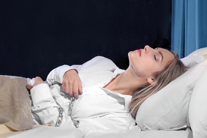 https: img.okezone.com content 2020 03 12 56 2182328 ini-penjelasan-ilmiah-fenomena-tidur-ketindihan-w2LiFkf7Oj.jpg