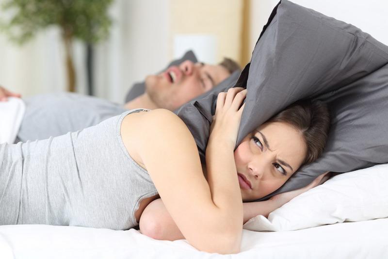 https: img.okezone.com content 2020 03 13 481 2182839 waspada-kebiasaan-tidur-mendengkur-bisa-memicu-kematian-3cVjRDYte6.jpg