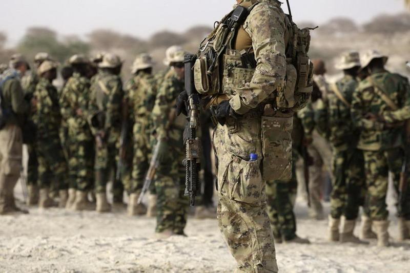 https: img.okezone.com content 2020 03 17 18 2184486 as-tarik-tentaranya-dari-tiga-pangkalan-militer-di-irak-LLpITDvEXQ.jpg