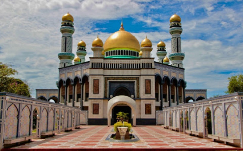 https: img.okezone.com content 2020 03 17 614 2184560 cegah-penyebaran-covid-19-brunei-darussalam-tutup-masjid-dan-musala-vBI9MLuuzw.jpg