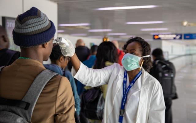 https: img.okezone.com content 2020 03 19 18 2186046 who-peringatkan-afrika-harus-bersiap-dampak-terburuk-virus-corona-C8fuh150jQ.jpg