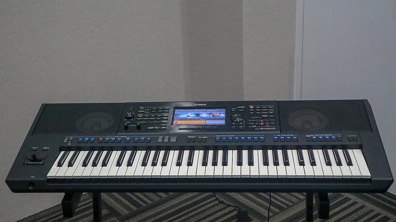 https: img.okezone.com content 2020 03 19 205 2185917 5-kelebihan-yamaha-psr-sx-keyboard-touch-screen-yang-canggih-BuMtZQSjb0.jpg