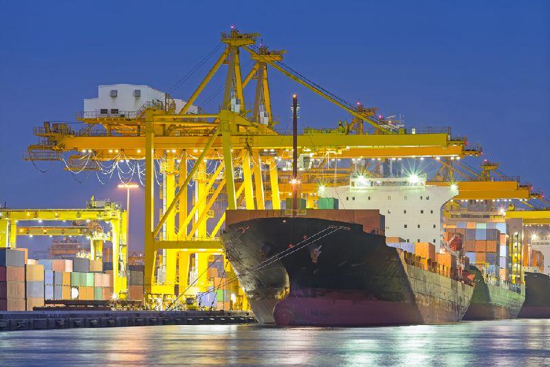 https: img.okezone.com content 2020 03 19 320 2185795 operasional-pelabuhan-dan-kapal-barang-terus-beroperasi-meski-ada-wabah-corona-GdAYjuRith.jpg