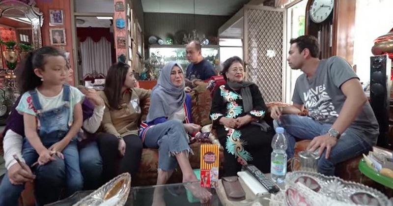 https: img.okezone.com content 2020 03 19 33 2185902 penuhi-wasiat-nenek-raffi-ahmad-siap-beli-rumah-rp80-miliar-JIAtdQ9VdG.jpg