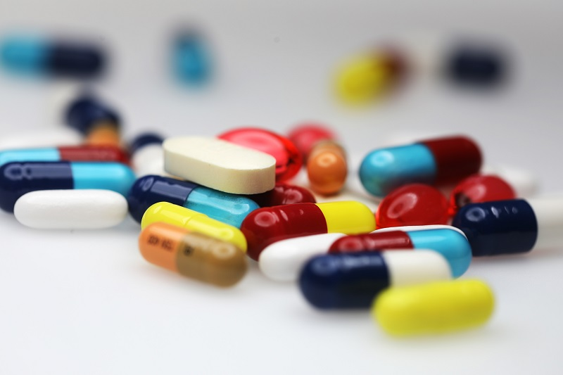 https: img.okezone.com content 2020 03 20 481 2186464 ampukah-antibiotik-untuk-pengobatan-virus-corona-LwEx3ZzJdb.jpg