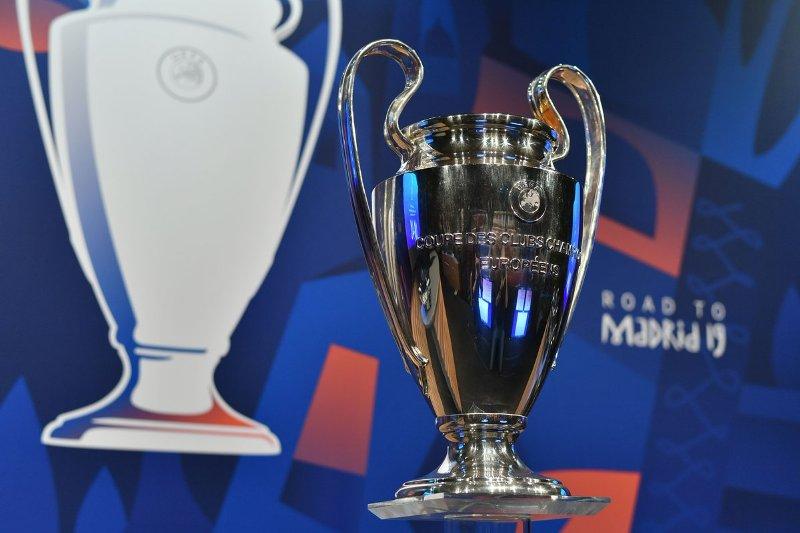 https: img.okezone.com content 2020 03 24 261 2187993 imbas-virus-corona-uefa-resmi-tunda-final-liga-champions-2019-2020-7fqa6RsHAf.jpg