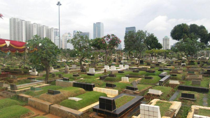 https: img.okezone.com content 2020 03 24 338 2188418 tpu-pondok-ranggon-dan-tegal-alur-disiapkan-untuk-pemakaman-jenazah-korban-corona-LN5gnU40PE.jpg