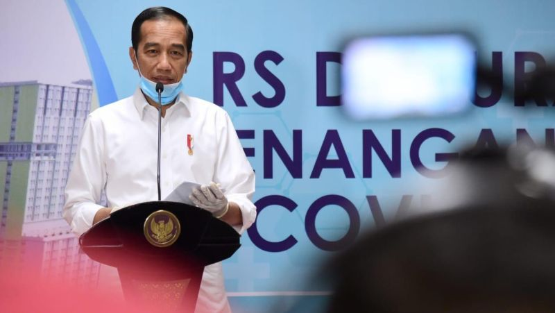 https: img.okezone.com content 2020 03 24 620 2188191 presiden-jokowi-minta-menkes-susun-prosedur-baru-pelayanan-kesehatan-covid-19-2ro4yhqui1.jpg