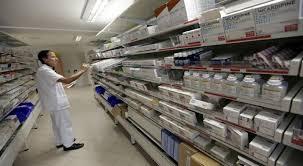 https: img.okezone.com content 2020 03 25 320 2188910 tangani-covid-19-ri-permudah-impor-produk-kesehatan-tvFu6siGkf.jpg