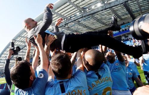 https: img.okezone.com content 2020 03 25 45 2189006 guardiola-adalah-pelatih-terbaik-di-generasinya-TVYc6B5NIF.jpg