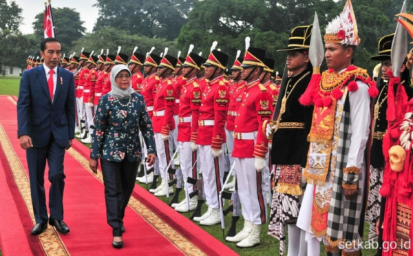 https: img.okezone.com content 2020 03 26 18 2189414 pemimpin-singapura-sampaikan-rasa-duka-meninggalnya-ibunda-presiden-jokowi-gNTmKePOhF.jpg