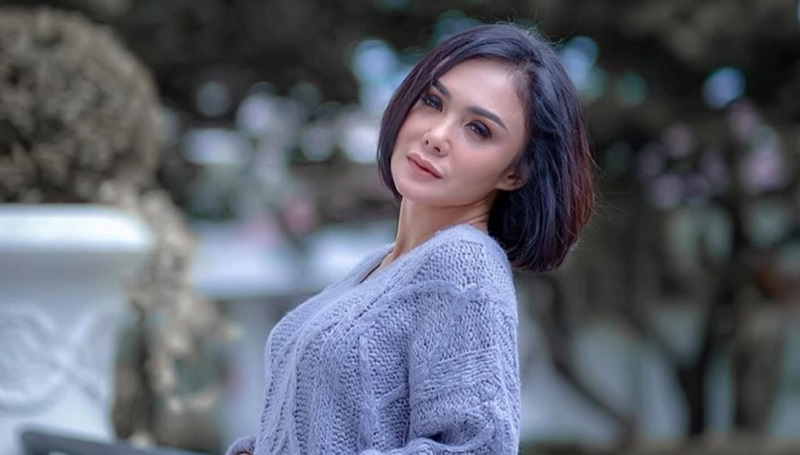 https: img.okezone.com content 2020 03 26 33 2189192 karantina-diri-yuni-shara-nonton-drama-korea-dgxdTchFRg.jpg